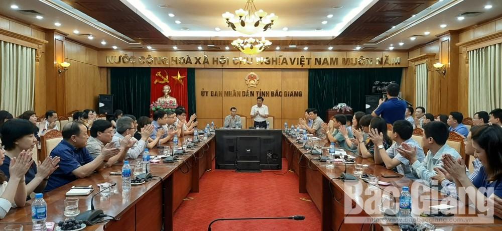 Phó Chủ tịch UBND tỉnh Dương Văn Thái tiếp đoàn công tác Học viện Tư pháp và Học viện Hành chính Quốc gia